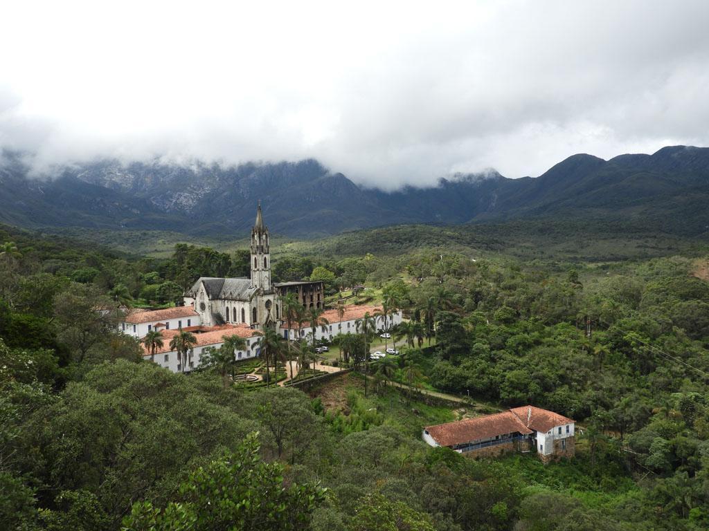 Santuário do Caraça: natureza e história